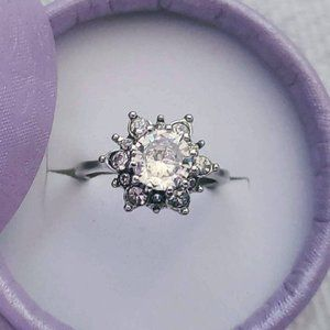 (NEW) Star Ring with Cubic Zirconia.